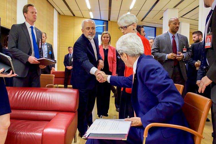 Kerja Sama Rusia Dengan Iran