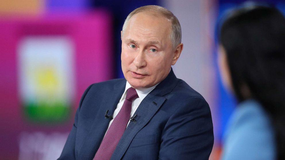 Putin Desak Warga Rusia Untuk Divaksinasi Dalam Acara Panggilan Maraton